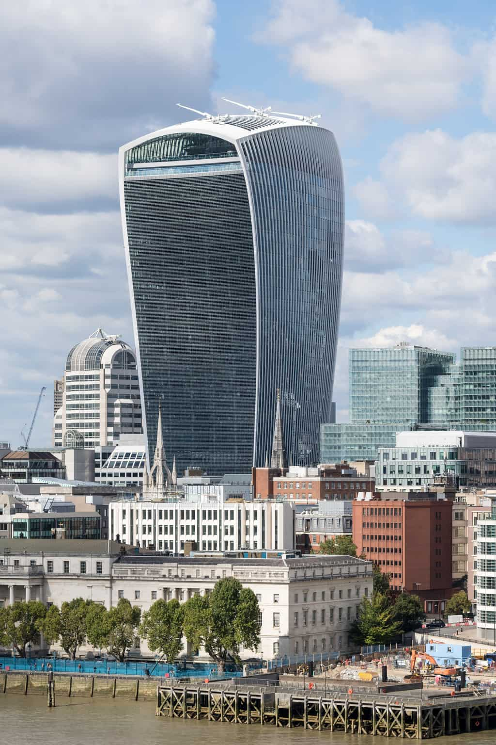 20 Fenchurch Street tower in London